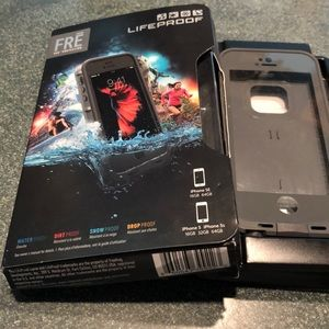 LIFEPROOF  case with built-in screen cover